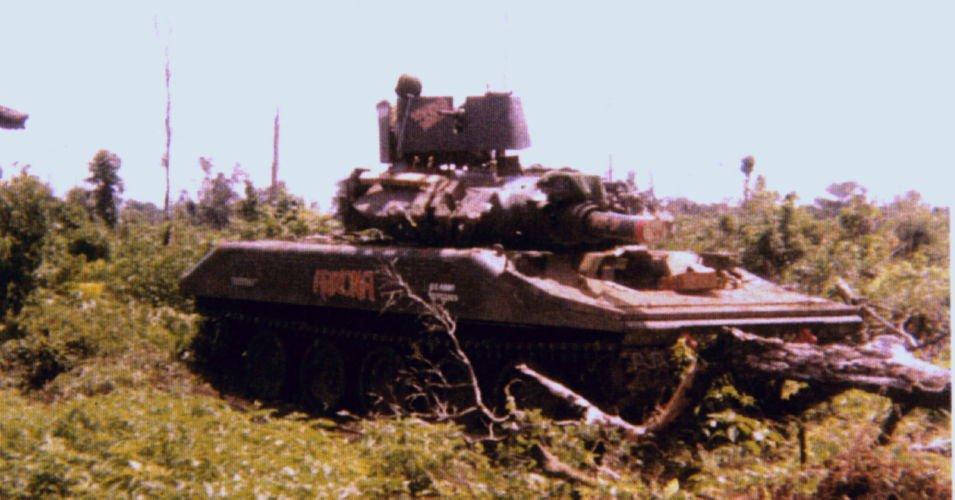 Howard J Thompson S 1 8 Scale Sheridan Tank